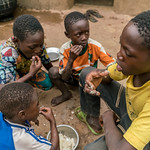 Children of N'bana N'sacra (47) having breakfast in the morning - Reinier van Oorsouw & UNICEF Togo :copyright: - 2019