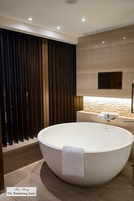 Large soaking bathtub in my room