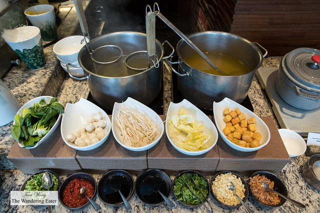 Noodle soup station at the Mandarin Oriental Club lounge for breakfast