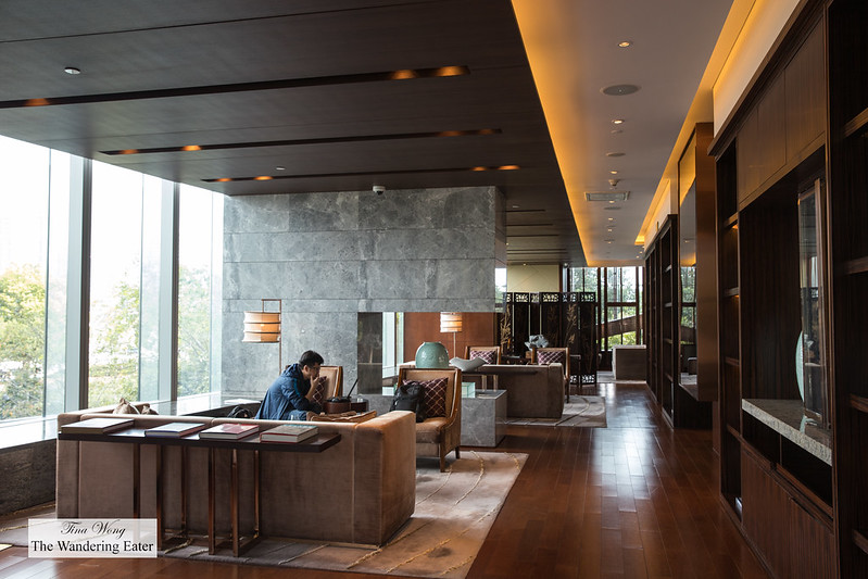 Open living spaces at the Mandarin Oriental Club lounge