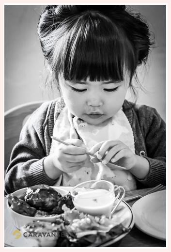 カフェ「マリメロ」のランチを食べる女の子 愛知県尾張旭市 七五三後のお食事会