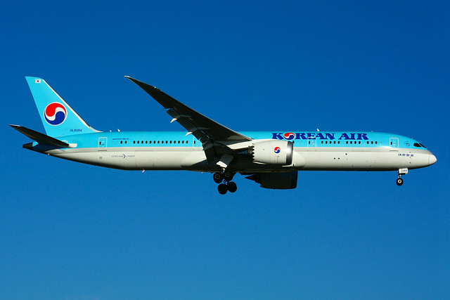 HL8084 (Korean Air)