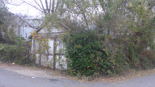 Garage Bladensburg & Dougas NE