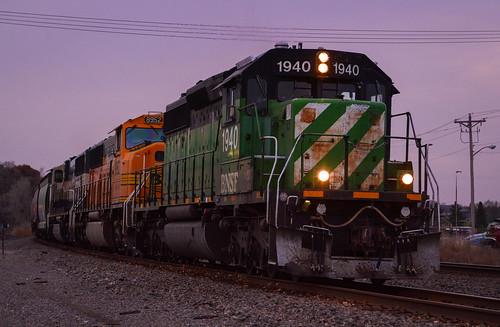 bnsf burlington northern santa fe emd sd402 1940 sunset staples subdivision mn elk river minnesota train locomotive railroad