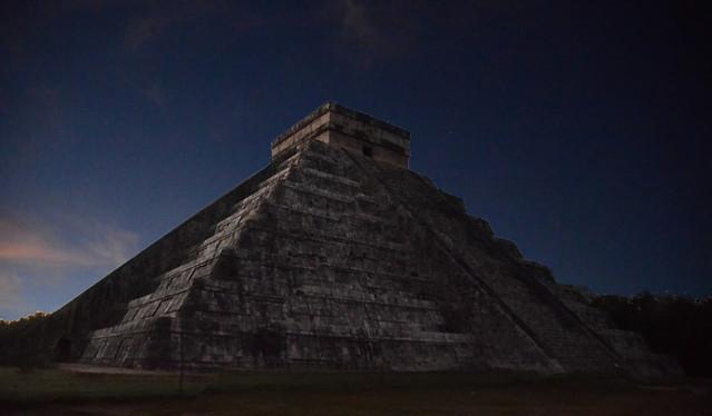 Waiting for sunrise at Chichén Itzá Mayan pyramid, Yucatán Mexico