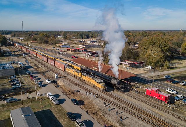 Union Pacific UP 4014 (4-8-8-4) Big Boy UP 4625 (SD70M) Prescott, Arkansas