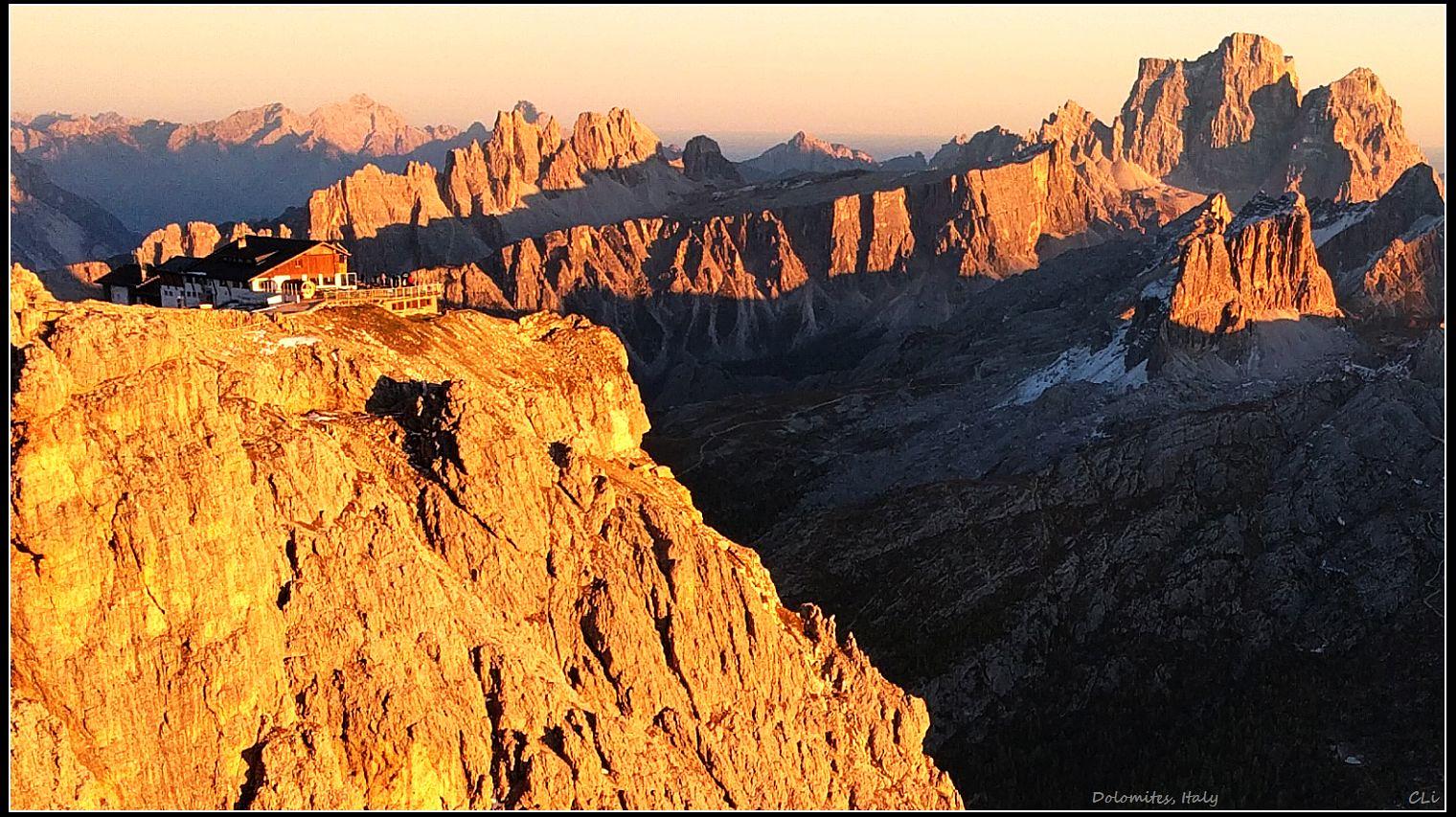 秋游欧洲1 云雾迷漫的意大利多洛米蒂无敌山景