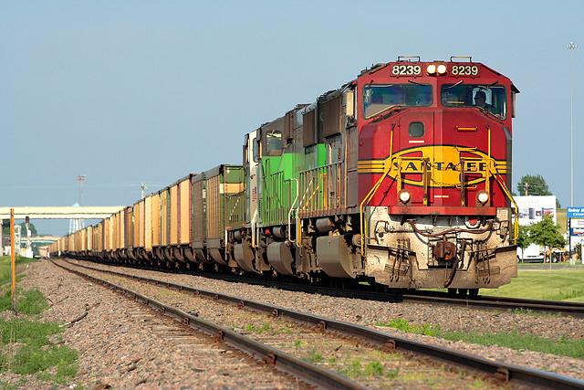 BNSF 8239 Grand Forks 12 Jun 06