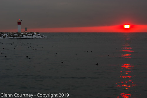 on ontario bronte harbour lakeontario lighthouse oakville sunrise
