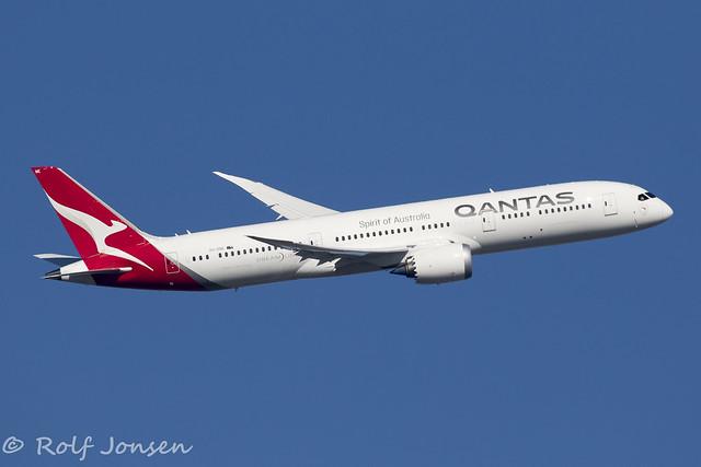 VH-ZNE Boeing 787-9 Qantas Heathrow airport EGLL 25.02-19