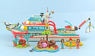 Review:  41381 Rescue Mission Boat