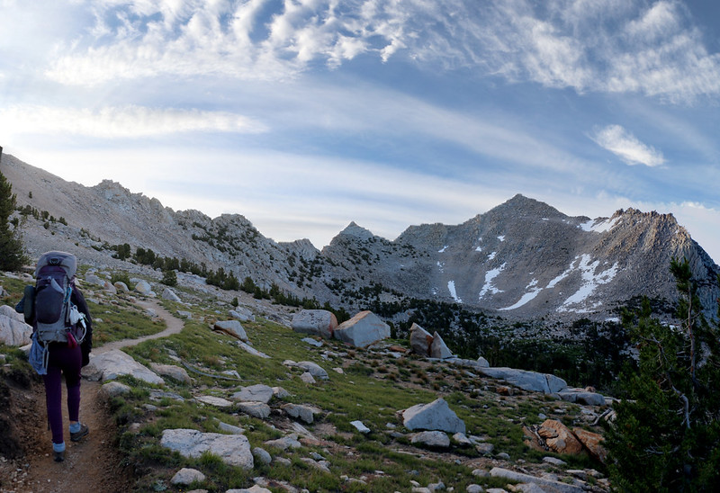 Hiking east on the Kearsarge Pass Trail, with Kearsarge Pass (notch on the upper left) and Peak 12423 (right)