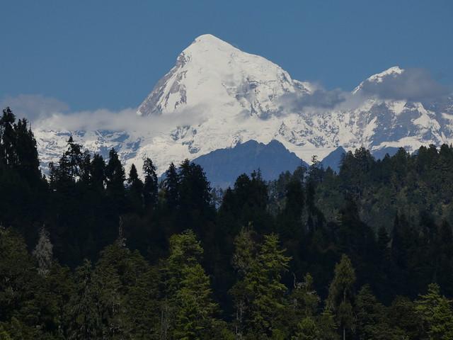 Pico Jhomolhari, una de las montañas más altas de Bután (supera los 7000 metros)