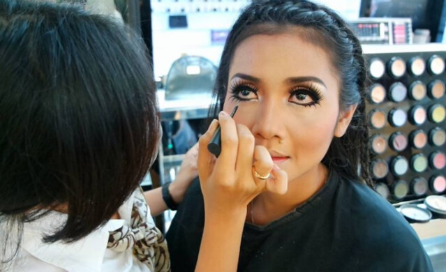Kursus Make Up di Makassar