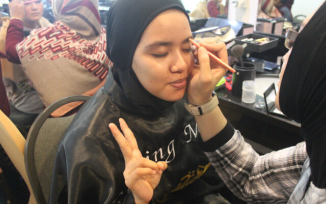 Kursus Make Up Artist - harga les make up di malang