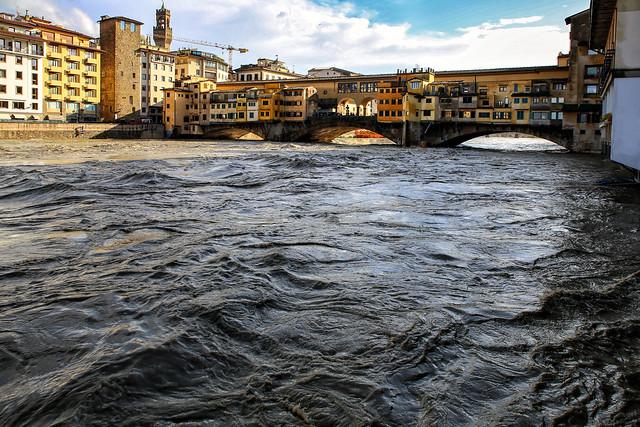Arno in piena__________Arno river in flood
