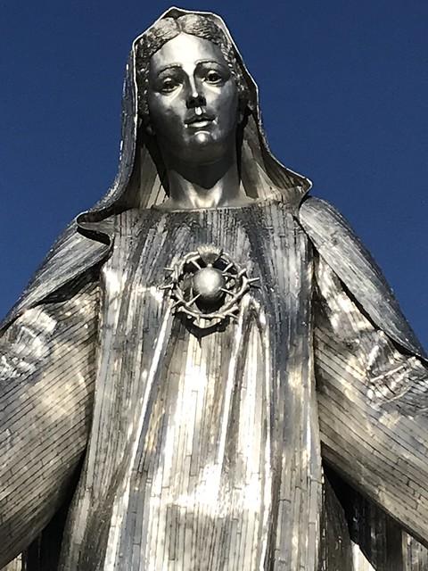 Giant Pretty Mary
