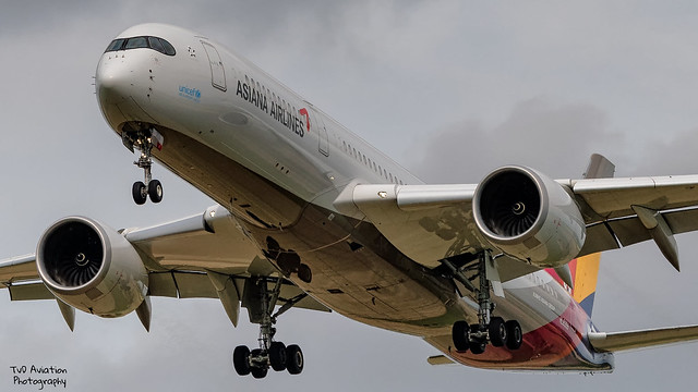 Asiana Airlines   Airbus A350-900   HL8359