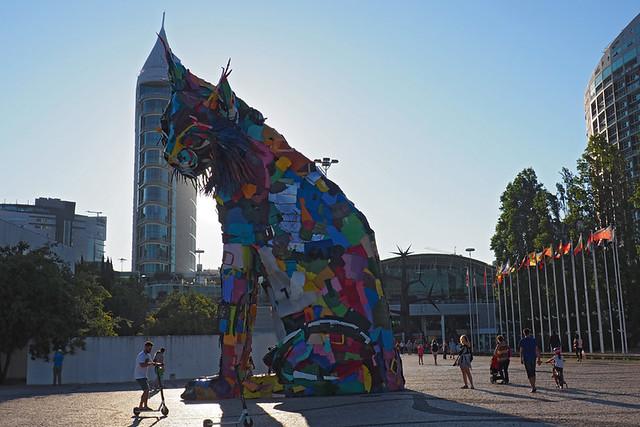 Rubbish cat, Parque das Nações, Lisbon