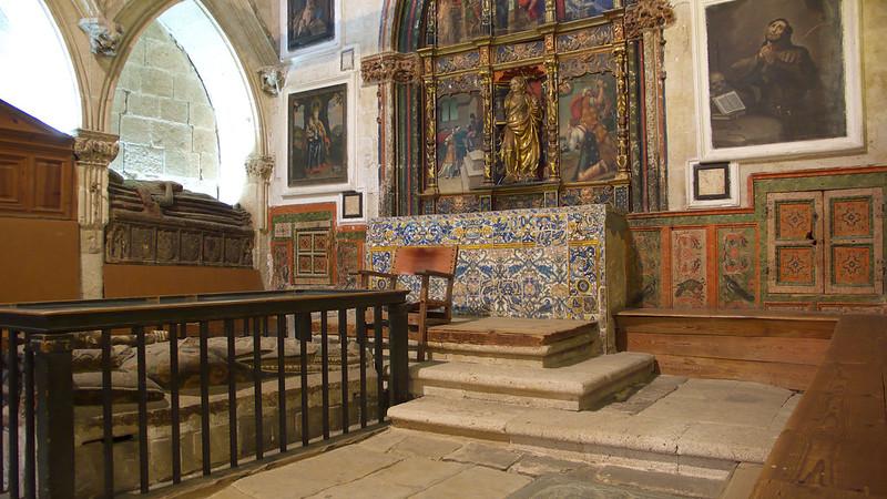 Capilla_de_Santa_Bárbara,_Catedral_Vieja_de_Salamanca_(2)