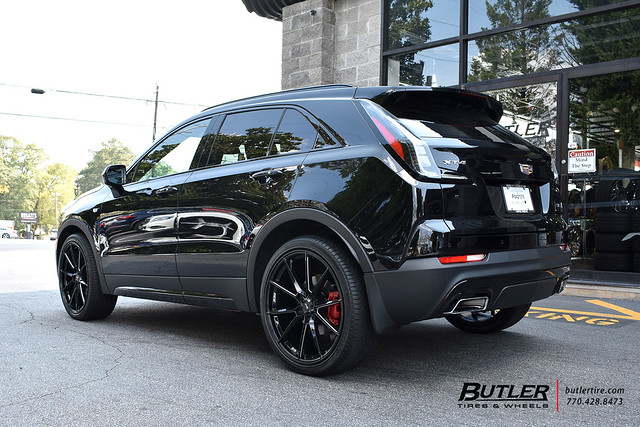 Cadillac XT4 with 22in Savini SV-F4 Wheels