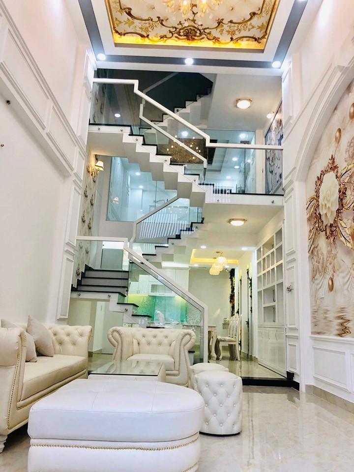 Nhà phố tuyệt đẹp 2 lầu 4 phòng ngủ 60m2 ở Gò Vấp