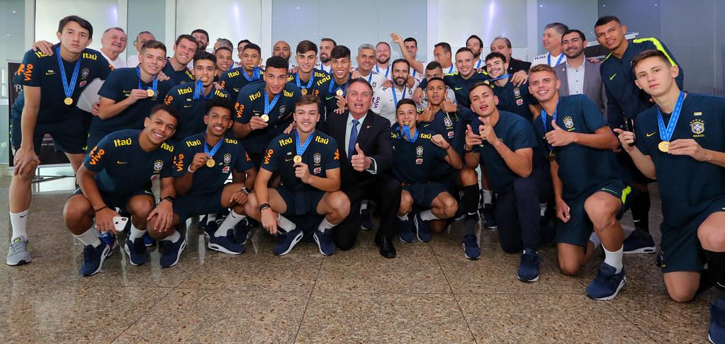 Seleção Sub 17 - Encontro com o presidente Bolsonaro