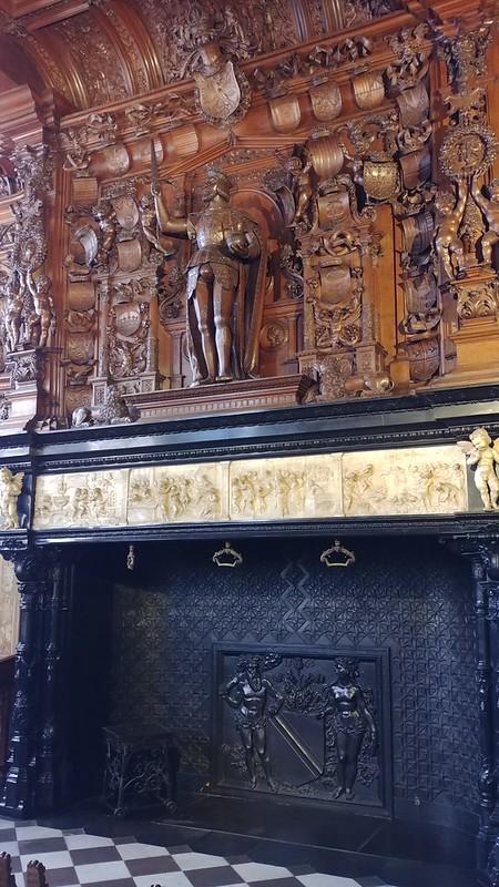 Chimenea Palacio de la Justicia Brujas