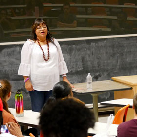 Guest Speaker Inspires Study Abroad Students