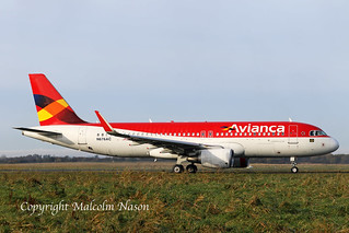 A320-214 N676AC ex PR-ONS AVIANCA BRASIL old colours 1