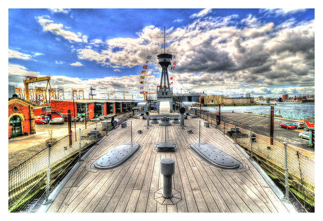 Belfast NIR - HMS Caroline on deck 02