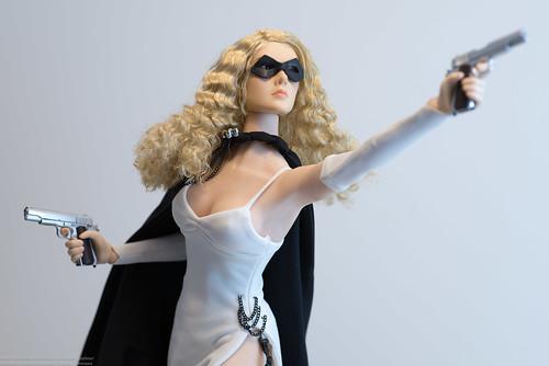Domino Lady Returns