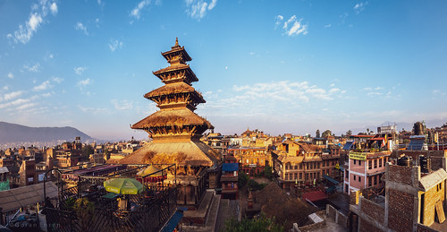 bhaktapur nepal nyatapola sunrise temple morning fujixt3 skyline buildingexterior