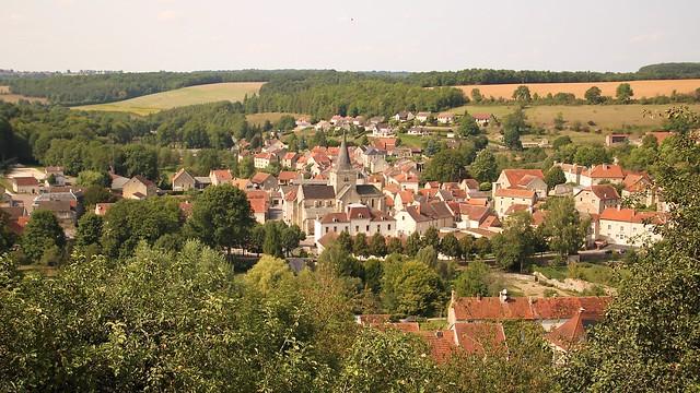 Aignay-le-Duc / Vue d'ensemble du village