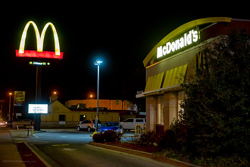 kansas ks coffeyville mcdonalds goldenarches golden arches fastfood fast food restaurant store semiswoosh semi swoosh building drivethru drive thru drivethrough through sign night light longjohnsilvers long john silvers ljs