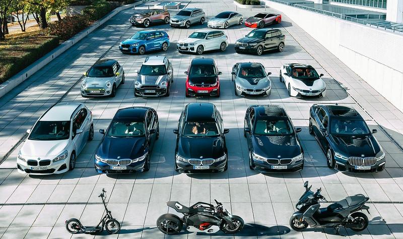 2021-BMW-i4-10