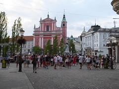 Ljubljana (Croacia). Presernov trg e iglesia de San Francisco