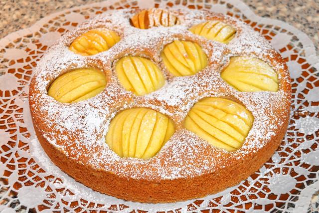 November 2019 ... Schwäbischer (versunkener / verschlupfter) Apfelkuchen mit Rezept