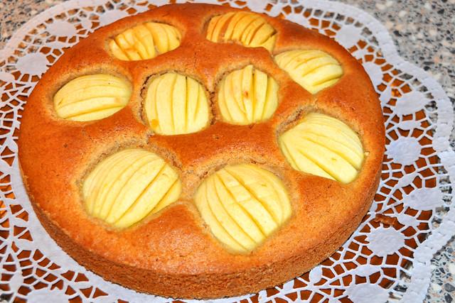 November 2019 ... Schwäbischer (versunkener / verschlupfter) Apfelkuchen mit Rezept ... Foto: Brigitte Stolle