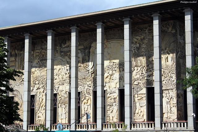 Paris : le Palais de la Porte dorée