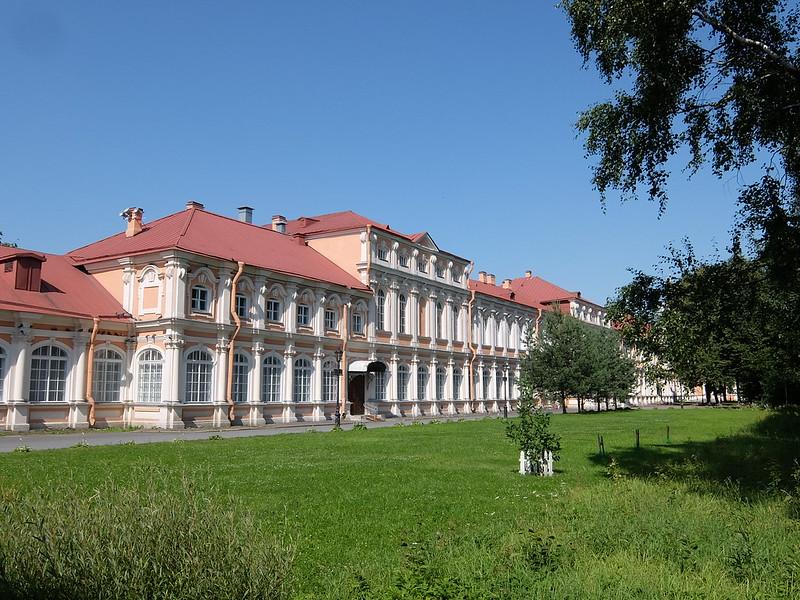Санкт-Петербург - Александро-Невская Лавра - Митрополичий корпус