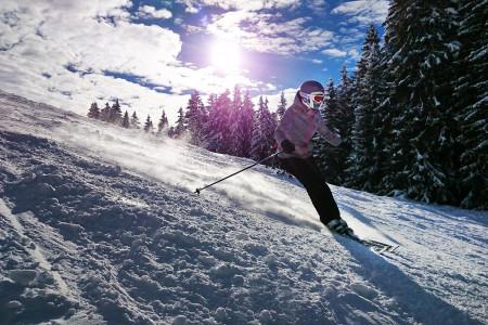 Plánujete lyžování v zahraničí? Bez kvalitního cestovního pojištění to nejde