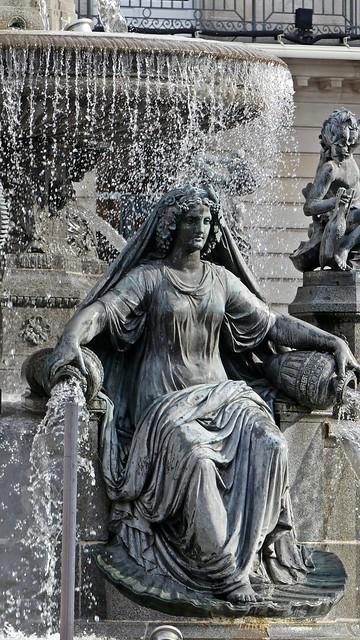 La Loire,Fontaine Monumentale de la place Royale...Nantes