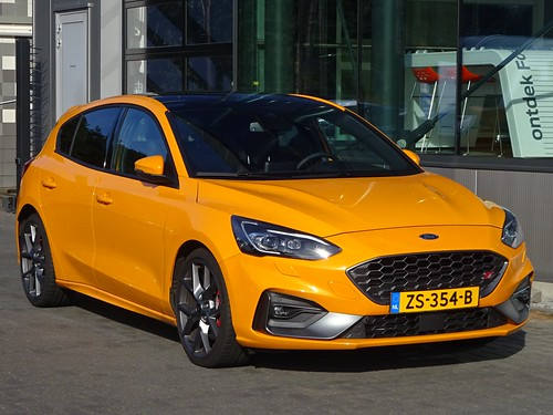 2019 Ford Focus ST Photo