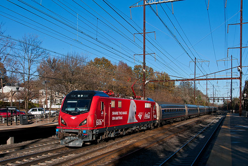 amtrak acs64 citiessprinter siemens metuchennj nec northeastcorridor cocacola coke train railfan railroad