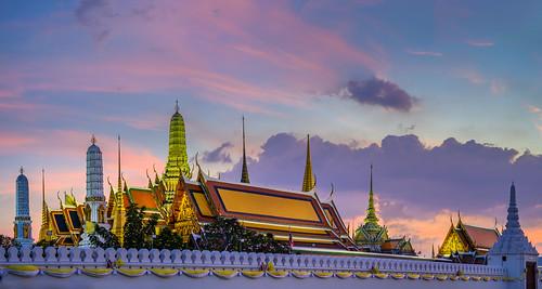 Prasat Phra Dhepbidorn (Sunset)
