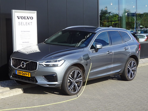 2019 Volvo XC60 Twin Engine Photo