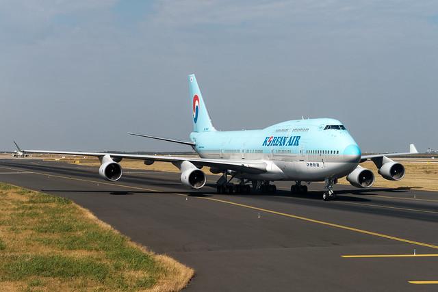 Korean Air Boeing 747-400 HL7461