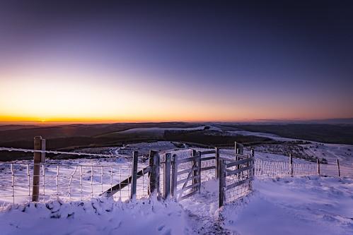 clwyd moelfamau snow sunrise sun landscape mountains nikond7200 sigma1020 lukaszlukomski wales cymru flintshire gate fence path hills peak