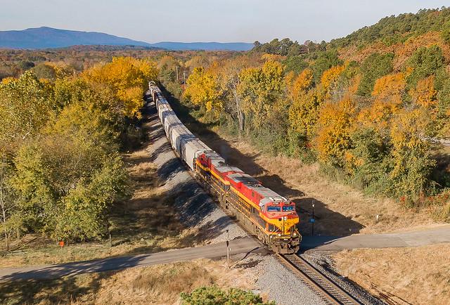 KCS 4788 (ES44AC) Train:MSHKC09 Petros, Oklahoma
